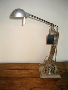 """""""Cépage"""" - Lampe de bureau - Pied de vigne et métal - Design 2014 (mod 10)"""